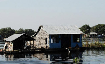 Angkor floating village