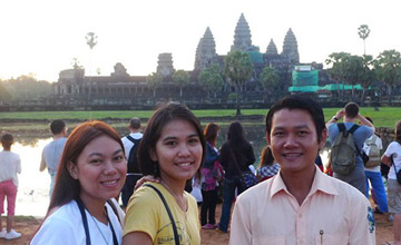 Tour guide to Angkor Wat